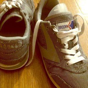 Brooks gray sneakers